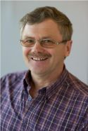 Steen Kynæb, Pedelassistent / timelærer.
